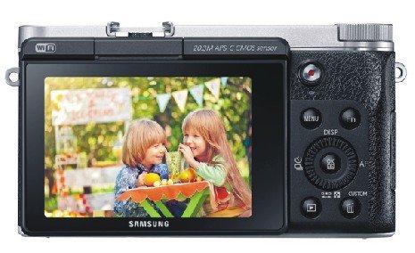 Kamera Samsung NX3000, Cukup Kedipkan Mata Untuk Foto Selfie