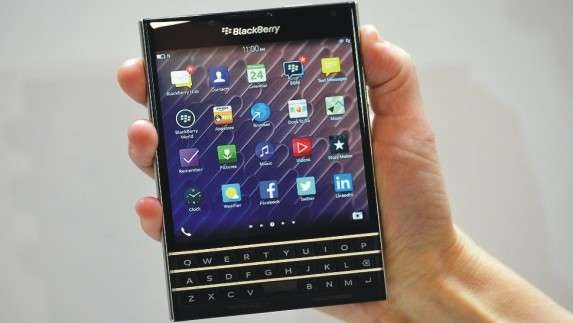 Review, Harga & Spesifikasi Smartphone Blackberry Passport