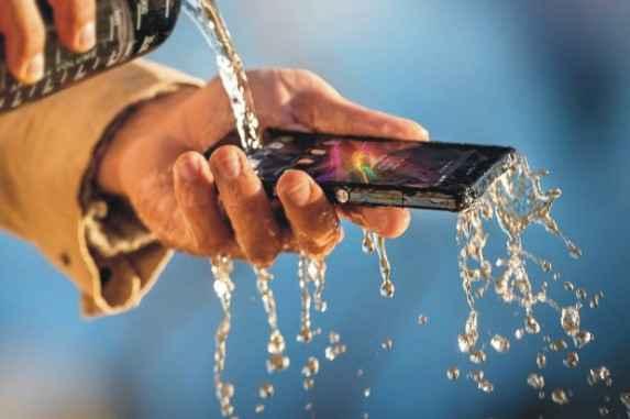 daftar smartphone tahan air berharga murah