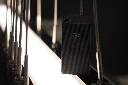 Spesifikasi dan Harga Blackberry Motion 2017